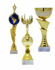 Bardak ve spor özniteliğinin A satışı bir ürün yelpazesine olduğunu.  Kupalar metalik, bardak, plastik, standart bardak